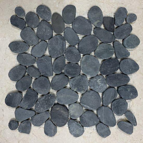 Galet scié en marbre noir