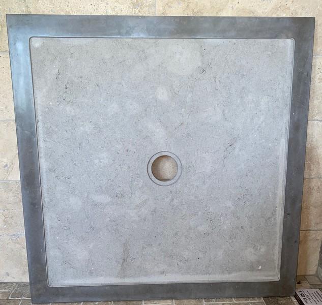 Receveur de douche gris clair mod/èle de luxe finition Gelcoat en marbre min/éral effet pierre ardoise design moderne mod/èle S/éville extra-plat 3 cm